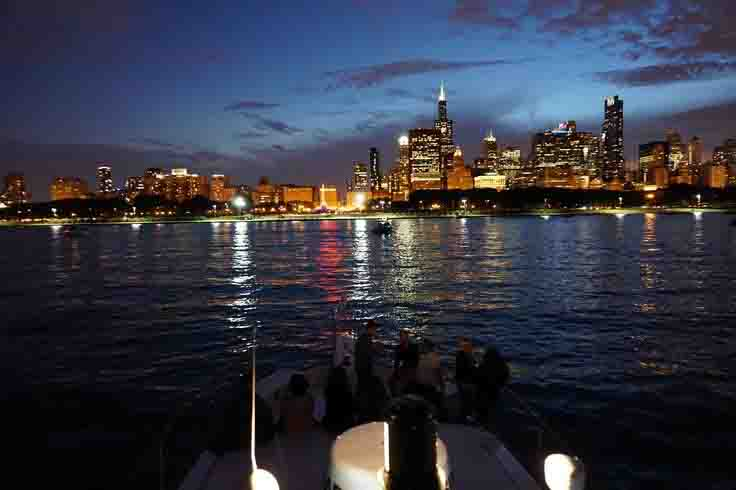1 Chicago Late Night Boat Rides And Chicago By Night Cruises