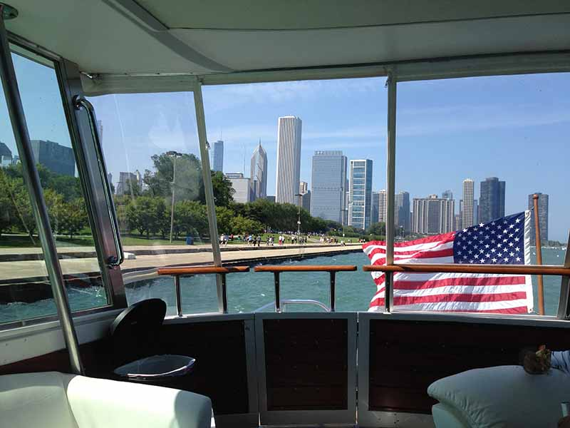 Chicago Private Yacht Rentals Stern View From Salon
