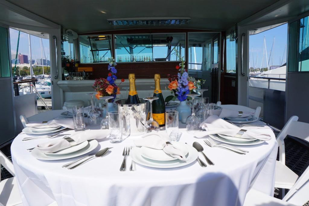 Yacht Dinning Parties