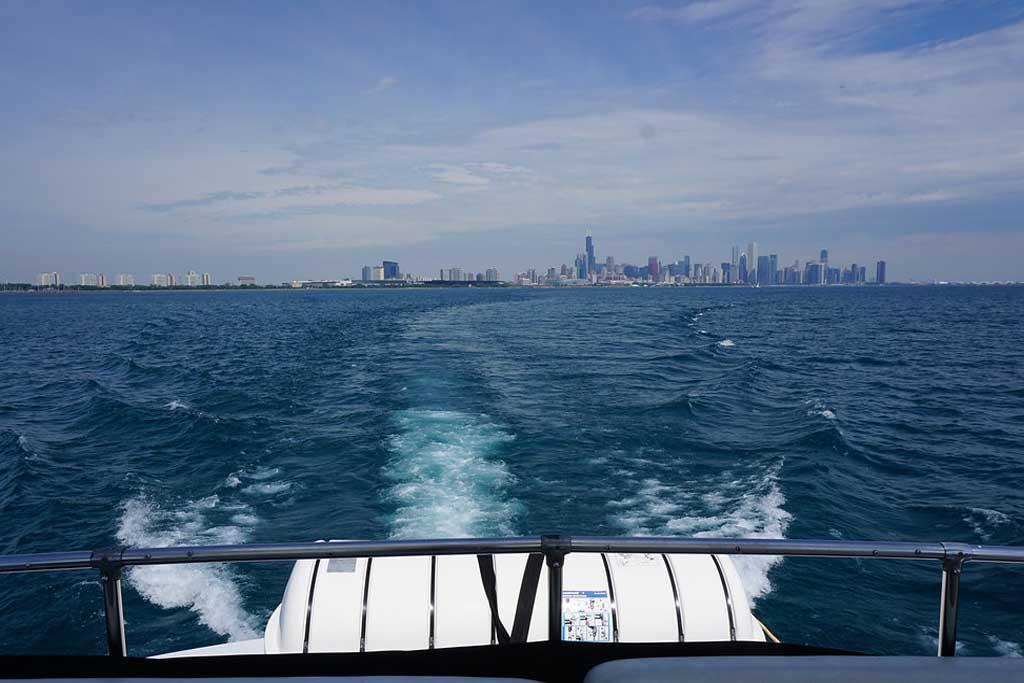 private yacht cruise Lake Michigan