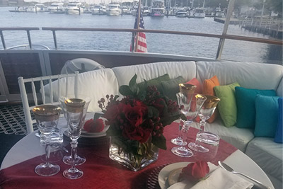 Chicago Private Yacht Rentals Dinner for Two on cruise