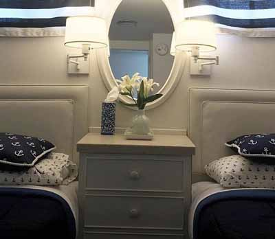 Chicago private yacht rental charter overnight accommadations second stateroom