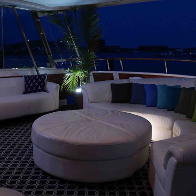 Chicago private yacht rental for dockside entertaiment and onboard overnight stays