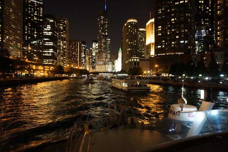 Chicago Private Yacht Rentals Private private-architecture-boat Chicago