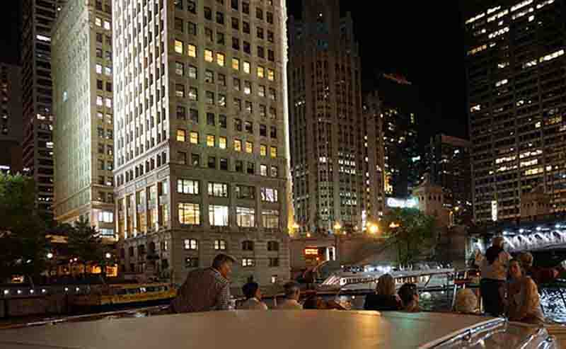 Best Boat Cruises in Chicago Tours on the Chicago River