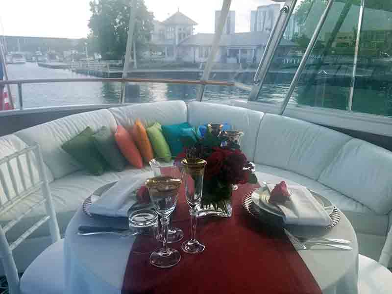 Chicago Private Yacht Rentals private dining