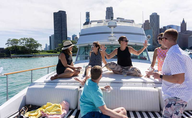 Chicago cocktail booze cruises private yacht