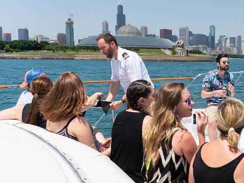 Chicago private yacht rentals for business entertaining