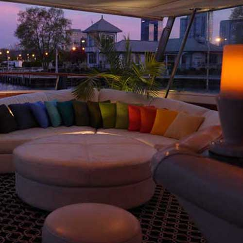 Chicago private yacht rentals for honeymoons