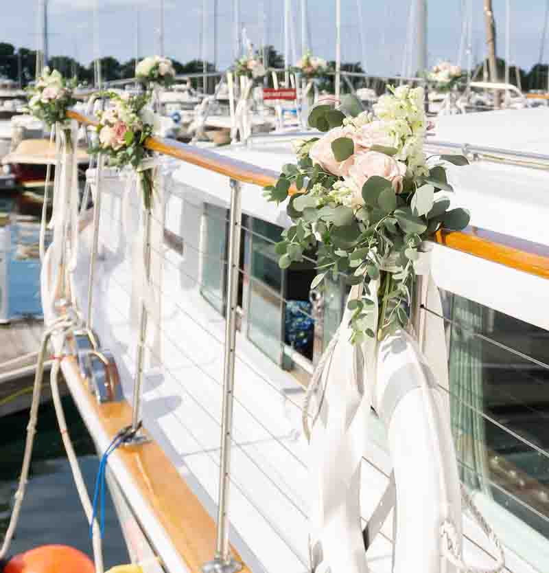 Chicago private yacht rentals for weddings