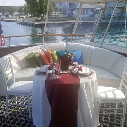 Chicago private yacnt rentals private dining and dinner party charters