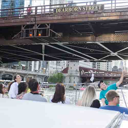 Chicagp private yacht rental Chicago River tours