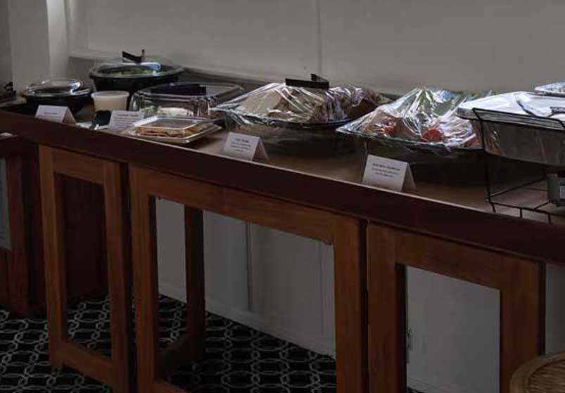 Chicago Private Yacht Rentals catering service