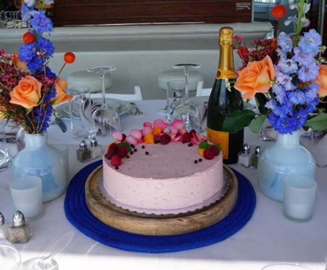 Chicago Private Yacht Rentals catering services