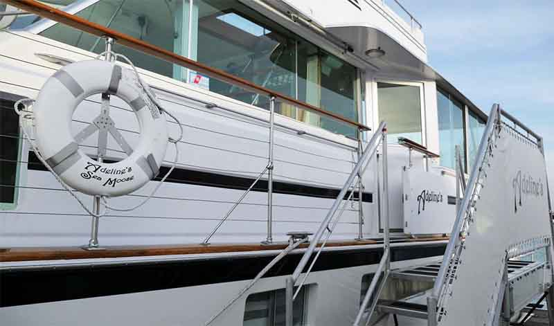 Cost prices to rent a yacht in Chicago