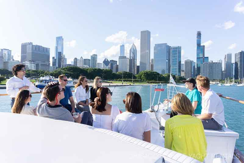 Exclusive Architecture boat tours in Chicago