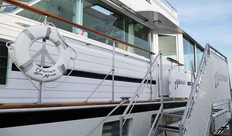 Large boat rentals Chicago