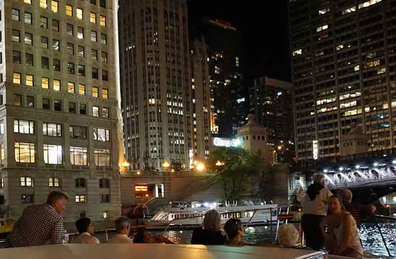 Outstanding Chicago River boat architecture tours