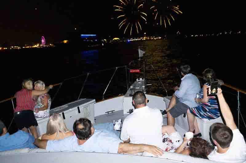 Saturday night booze cruise Chicago