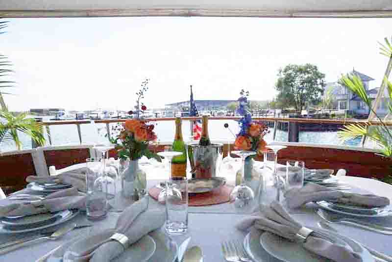 Private yacht dinner charters