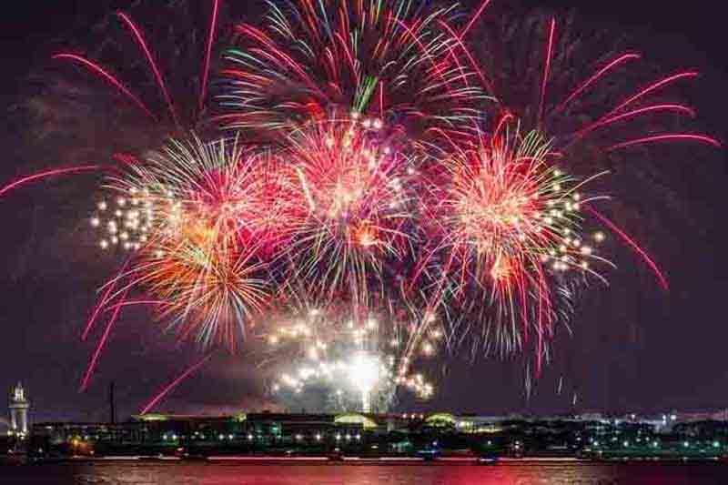 Navy Pier Fireworks booze cruise Chicago